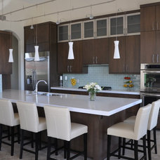 Contemporary Kitchen by Elisa & Lynne Homes
