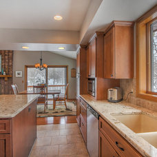 Traditional Kitchen by Thompson Remodeling