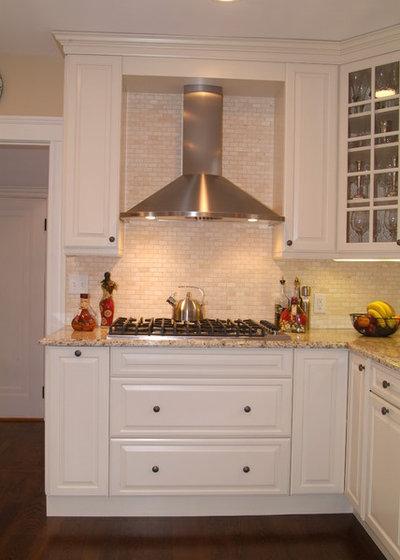 traditional kitchen by divine design build