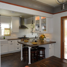 Eclectic Kitchen by Fidelity General Contractors Inc.