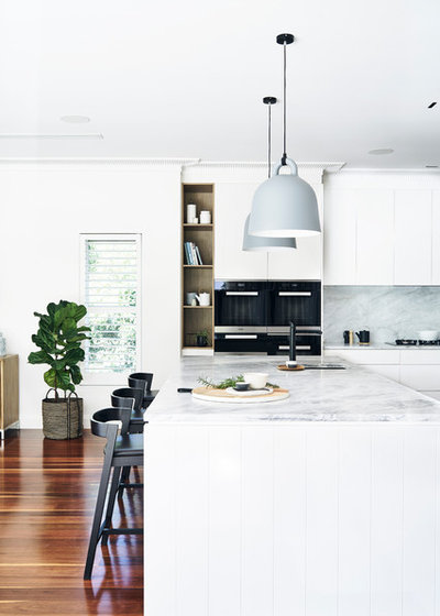 Contemporary Kitchen by David Campbell Building Pty Ltd