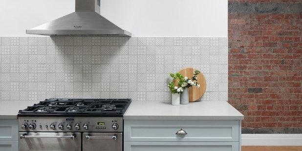 Industrial Kitchen by smarterBATHROOMS+
