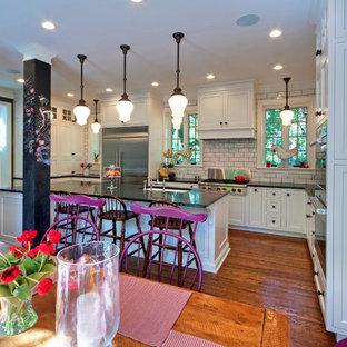 Open Kitchen & Butler's Pantry
