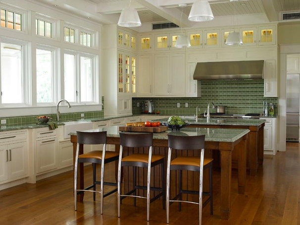 Traditional Kitchen by Purple Cherry Architects