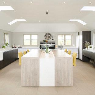 Open plan handleless lifestyle kitchen – Bury St Edmunds, Suffolk
