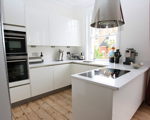 Example Of A Small Trendy U Shaped Kitchen Design In London