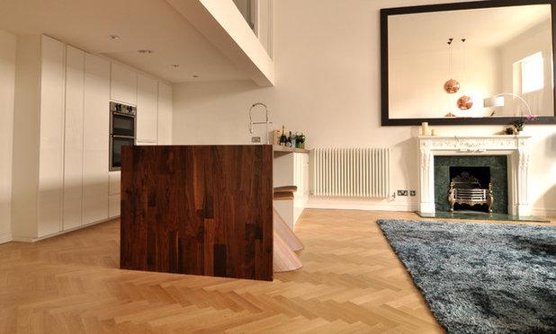Contemporary Kitchen by Kia Designs