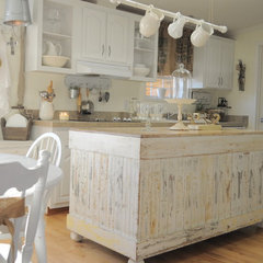 kitchen by Buckets of Burlap