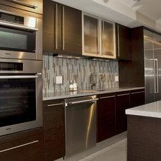 Modern Kitchen by Design Space Associates, Inc.