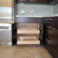 Modern Kitchen by Construction Owl