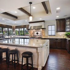 Traditional Kitchen by PR Construction