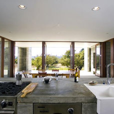 Modern Kitchen by Anderson Anderson Architecture