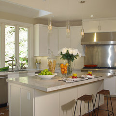 contemporary kitchen by Lisa Benbow - Garnish Designs