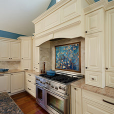 Traditional Kitchen by Sheridan Interiors, Kitchens and Baths