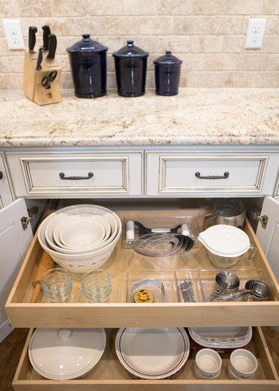 コンテンポラリー キッチン by Abundance Organizing