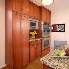 Traditional Kitchen by Cillesa Interior Design & Space Planning