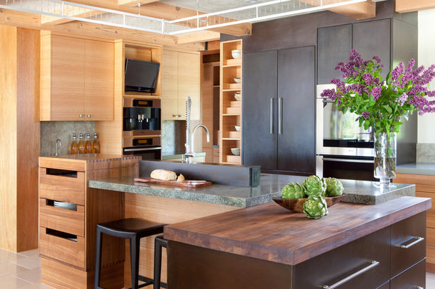 Contemporary Kitchen by Applegate Tran Interiors