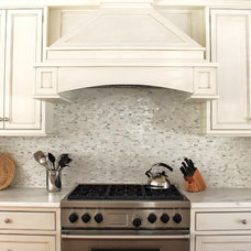Traditional Kitchen by CJ Riley Builder Inc.