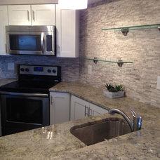 Modern Kitchen by OTTE LLC