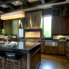 Contemporary Kitchen by Taylor Hannah Architect Inc