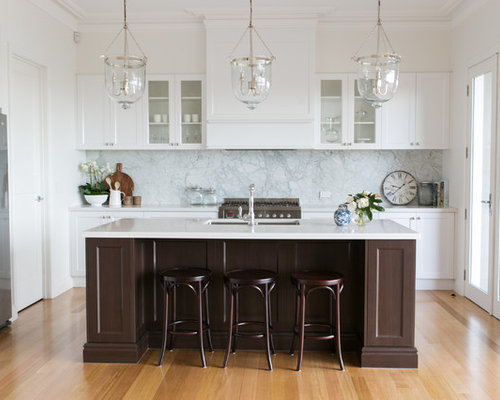 This Is An Example Of A Traditional L Shaped Kitchen In Melbourne With An  Undermount