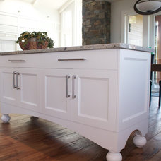 Traditional Kitchen by Classic Kitchens & design