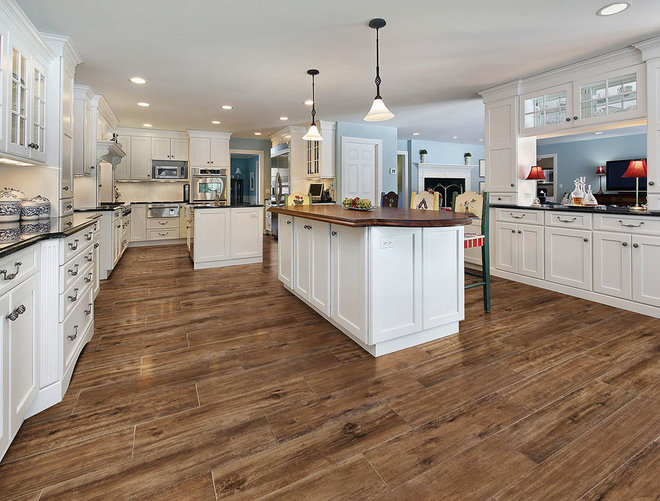 Traditional Kitchen by THE MASONRY CENTER INC