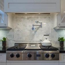 Traditional Kitchen by Versa Platinum Renovations