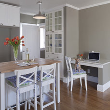 Transitional Kitchen by Suzie Parkinson SÜZA DESIGN