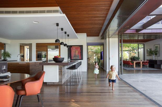 Contemporary Kitchen by Neil Cownie Architect Pty Ltd