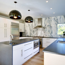 Contemporary Kitchen by Yankee Barn Homes