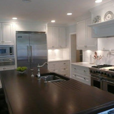 Traditional Kitchen by Stony Point Construction Co., Inc