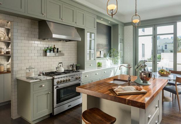 Victorian Kitchen by RHC Construction & Management