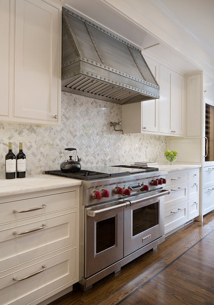 Traditional Kitchen by Verner Architects