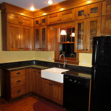 Craftsman Kitchen by Mosquito Creek Home Renovations