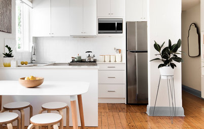 10 Space-smart Solutions for a Small Kitchen