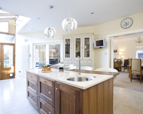 Inspiration For A Transitional Enclosed Kitchen Remodel In Dublin With An Undermount Sink Recessed