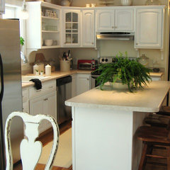 eclectic kitchen Painting the cabinets white