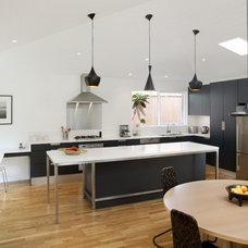 Midcentury Kitchen by Collaroy Kitchen Centre