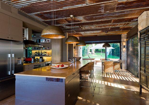 Modern Kitchen by Lovett Custom Homes