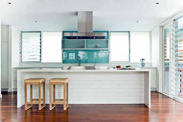 Beach Style Kitchen by Smyth and Smyth