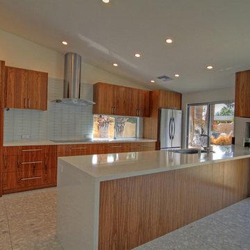 Palm Desert Modern Kitchen Idea