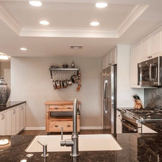 Traditional Kitchen by Complete Home Transformations