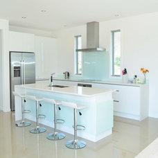 Modern Kitchen by Steven Morton Architectural Design