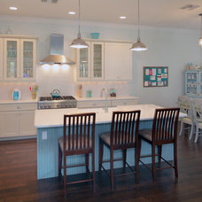 Traditional Kitchen by Devonshire Custom Homes