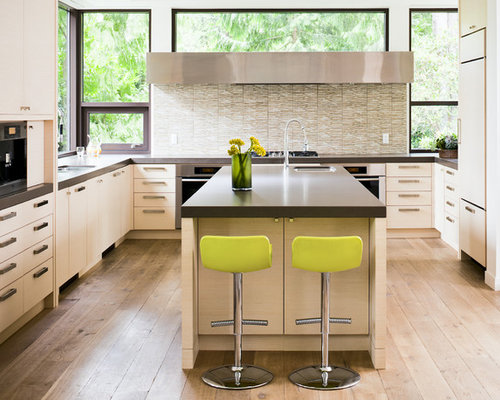 Large center island with seating houzz for Kitchen ideas vancouver