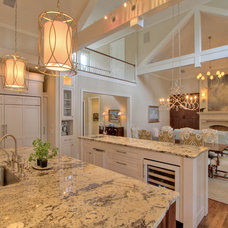 Traditional Kitchen by Ellis Construction Co., Inc.