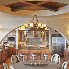 mediterranean kitchen by Vanguard Studio Inc.
