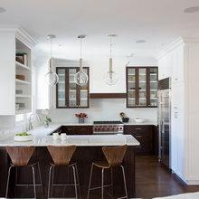 Kitchen: G Shaped w/ Peninsula