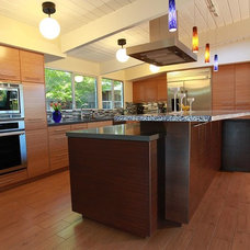 Midcentury Kitchen by Keycon, Inc